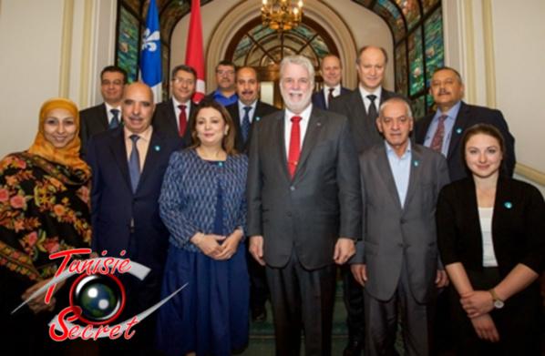 """Photo du quartet du """"dialogue national"""" avec le premier ministre canadian Philippe Couillard, le 16 mai 2016 au Québec."""
