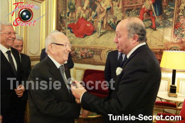 Béji Caïd Essebsi fait le paon à Paris