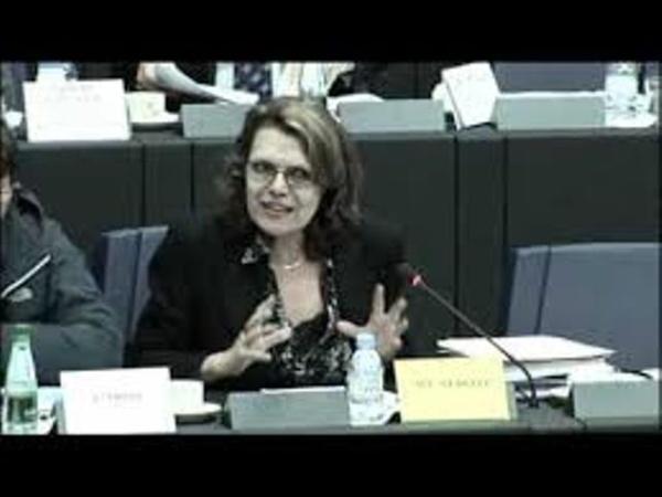 Marie-Christine Vergiat, Députée européenne qui craint pour la Tunisie le même sort que la Grèce.