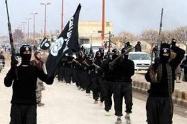 Les djihadistes de l'EIIL sous la bannière de l'islam !