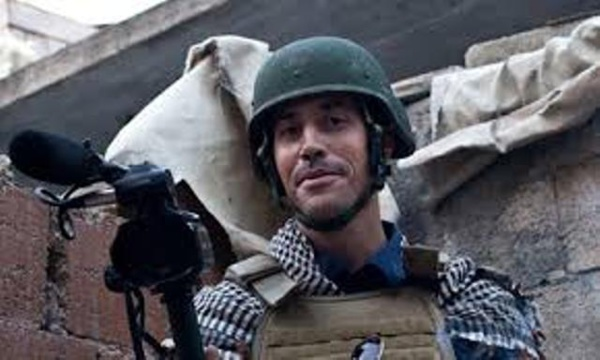 """Le journaliste américain James Foley couvrant la """"révolution"""" libyenne, c'est-à-dire l'invasion impérialiste et néocolonialiste de la Jamahiriyya libyenne."""