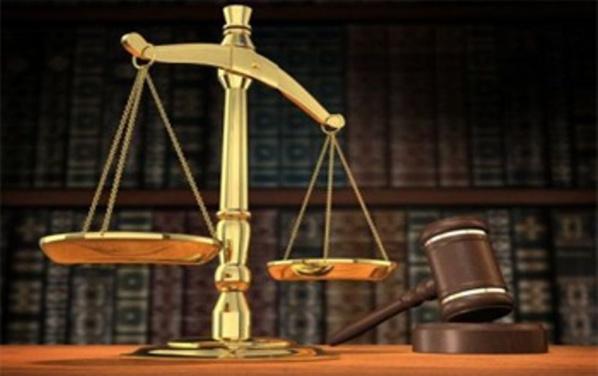 Par devoir d'équité et par respect à la famille de la victime, justice doit être faite.