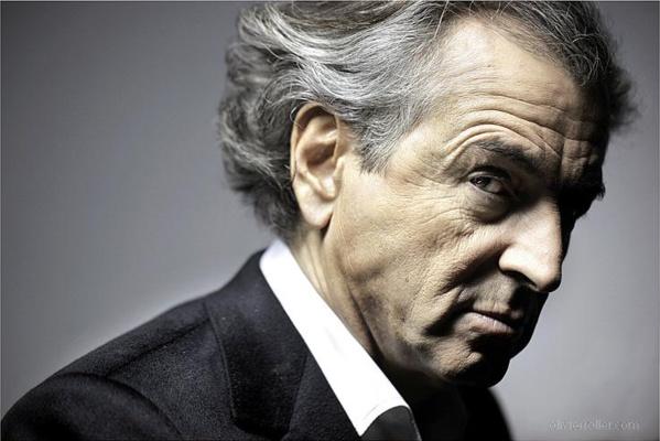 """Bernard Henri Lévy, le """"philosophe"""" en service commandé, qui cherche à mettre le feu dans le monde arabe."""
