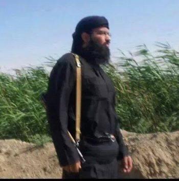 Turki al-Binali, en tenue de combat en Syrie.