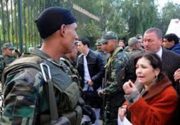 """Une mercenaire qui a toujours été allergique à l'armée qu'on avait pourtant glorifié pour son rôle dans la """"révolution du jasmin"""" !"""