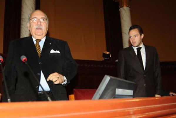 Foued Mebazaa, alors Président de la Chambre des Députés, avec Sakhr El-Materi, alors jeune député.