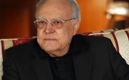 Rachid Sfar, ancien Premier ministre sous Bourguiba (1986-1987), Président de la Chambre des Députés (1987-1988), ancien Ambassadeur de Ben Ali auprès de la Communauté européenne (1988-1992), désigné membre de la Chambre des Sénateur en 2005 et du RCD jusqu'à sa dissolution en 2011.