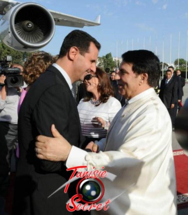 Le président syrien Bachar Al-Assad à son arrivée à Tunis, le 12 juillet 2010.
