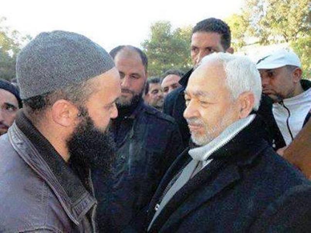 """L'islamiste """"modéré"""" Rached Ghannouchi, avec le terroriste Seifallah Ben Hassine, qui était condamné à 43 ans de prison et qui a été libéré en mars 2011, sous la pression de Sihem Ben Sédrine, Mohamed Abbou et d'autres mercenaires des droits de l'homme !"""