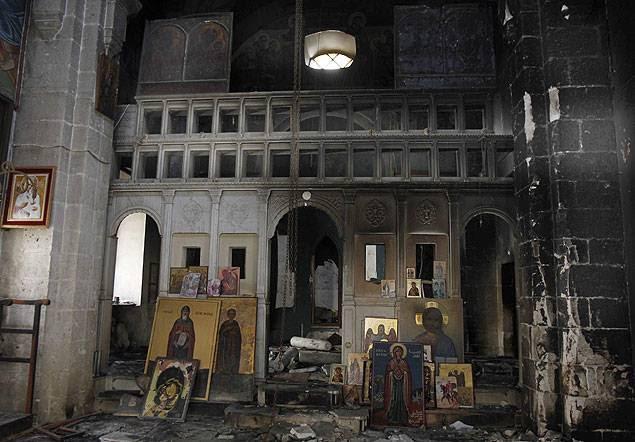 Ce qui reste d'un haut lieu du culte chrétien dans la ville martyre de Maaloula, après sa libération des mercenaires du Qatar et d'Arabie Saoudite.