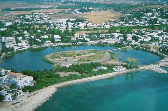 Vue aérienne du port punique de Carthage menacé de disparition.