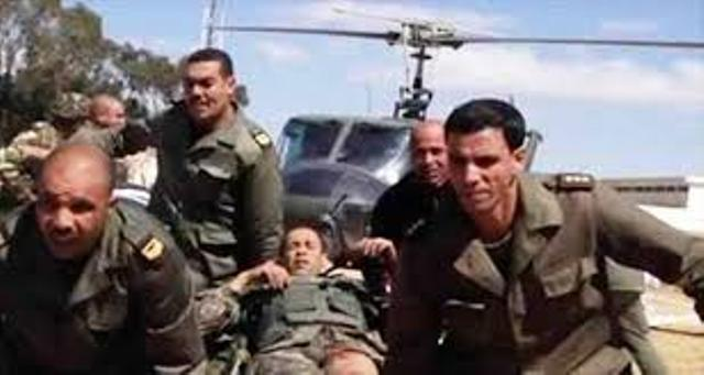 Evacuation d'un soldat blessé à djebel Chaambi.