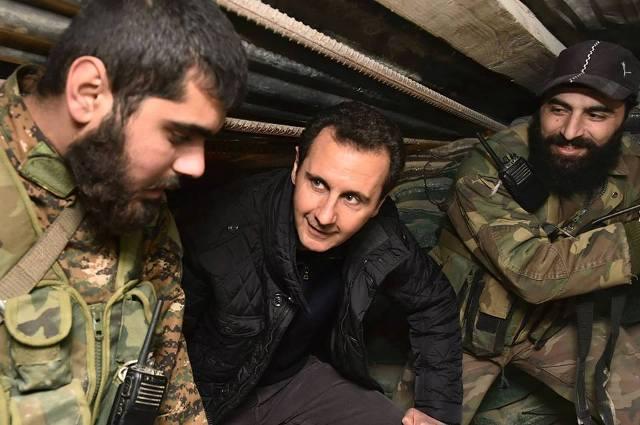 Le président Bachar Al-Assad avec ses vaillants soldats sur le front de Jobar.