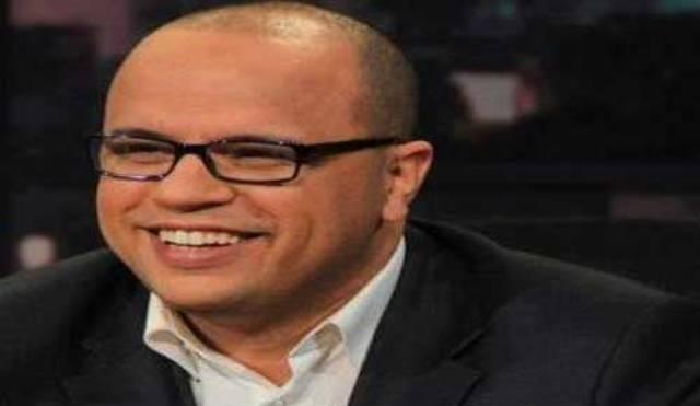 """Naoufel Ouertani, prototype de la nouvelle génération de """"journalistes"""" qui se moque des Tunisiens et insulte leur intelligence."""