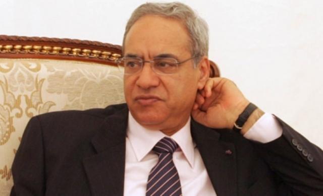 Taoufik Baccar, ancien ministre et ancien Gouverneur de la Banque Centrale de Tunisie. Une haute compétence poursuivie en justice dans des affaires montées de toutes pièces et interdit de voyage, comme beaucoup d'autres hauts commis de l'Etat.
