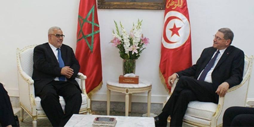 Mardi 11 mai 2016, le chef du gouvernement Abdelilah Benkirane s'entretenant avec son homologue tunisien, Habib Essid.