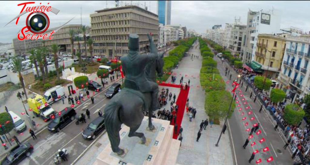 Habib Bourguiba tournant le dos aux traîtres, aux faux bourguibistes et aux vrais mercenaires.