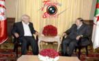 Photo d'archive de l'une des douzes rencontres entre le Frère musulman Rached Ghannouchi et le président à vie Abdelaziz Bouteflika.